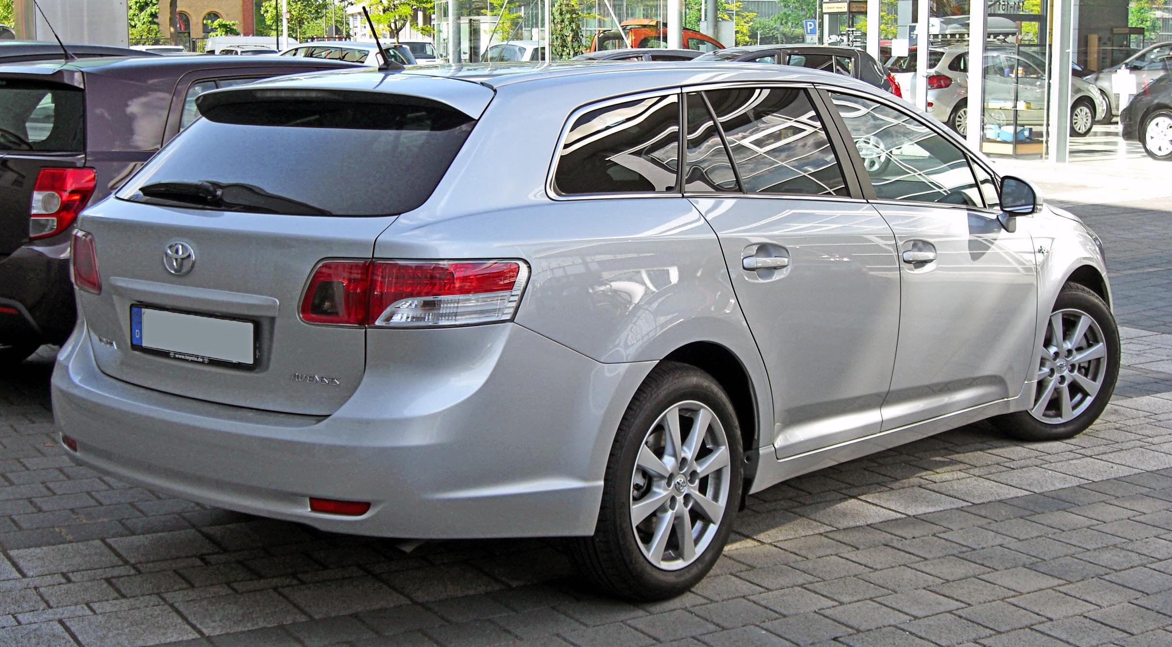 Królowa niezawodności Toyota Avensis 12