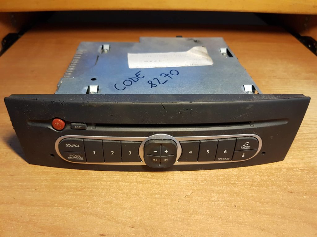 Jak rozkodować radio samochodowe? 6